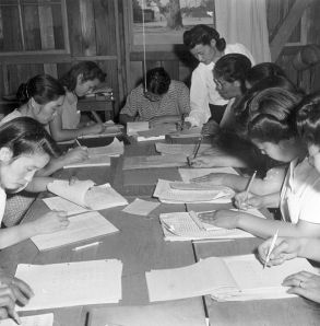 A class for women at Manzanar, 1942, by Dorothea Lange